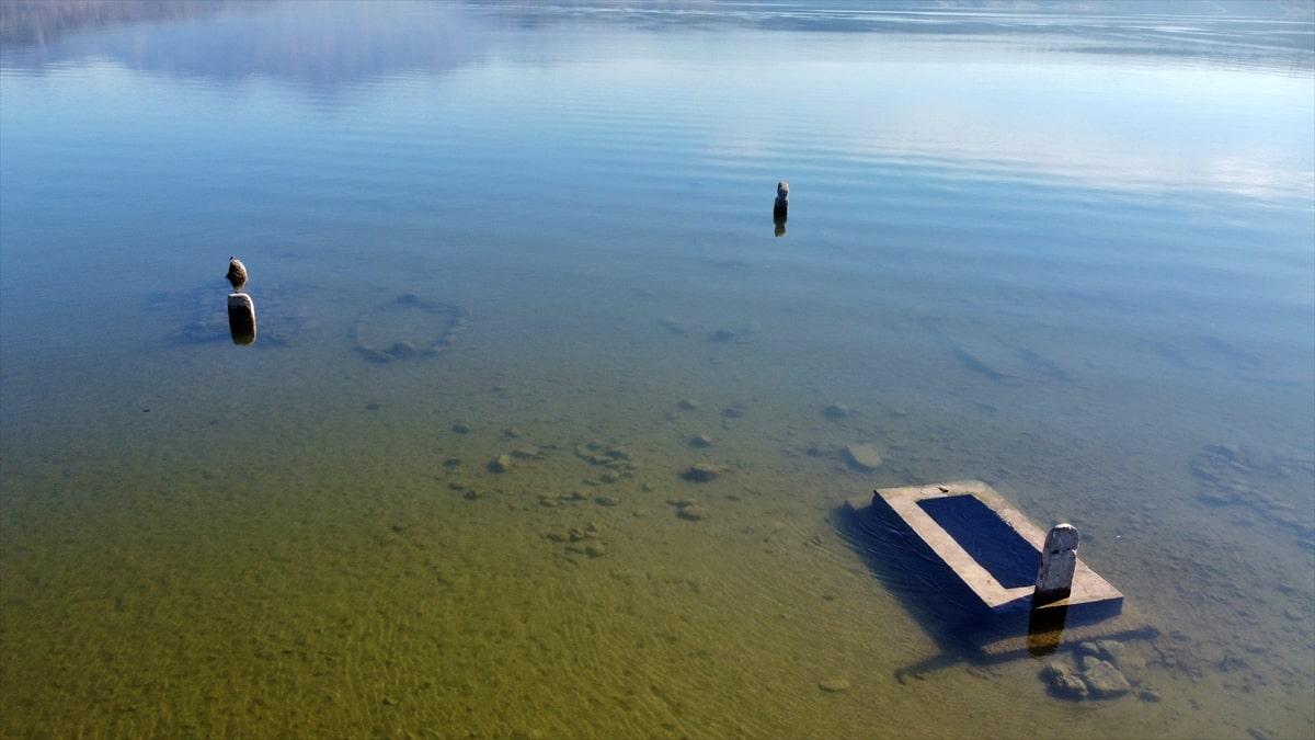Baraj altında kalan göl tekrar gün yüzüne çıktı
